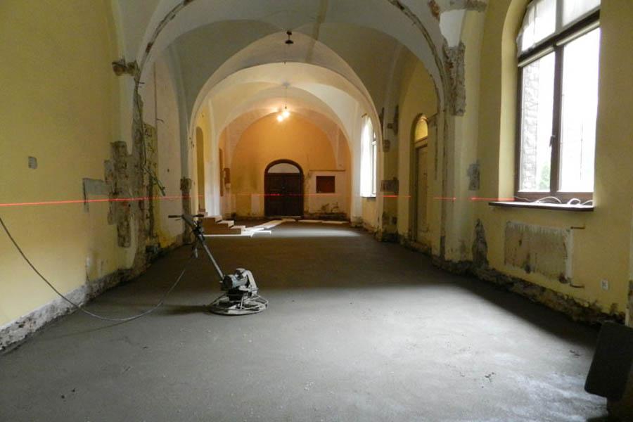 Zdjęcie remontu Klasztoru. Linkuje do newsa pt. Narada Koordynacyjna nr 2 z dnia 12.07.2017
